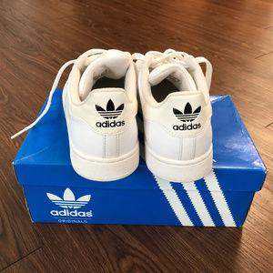 Adidas Originals Superstar Sneaker Size 6